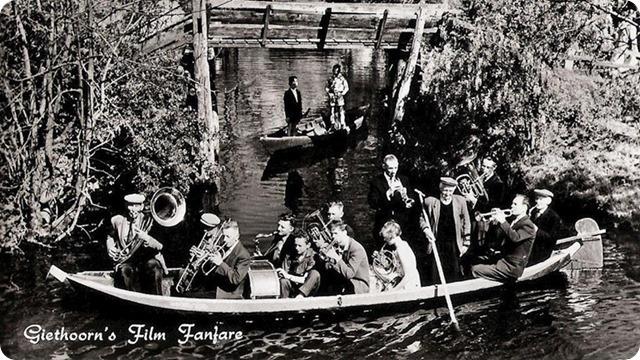scene-uit-de-film-Fanfare-Foto-historisch-centrum-Overijssel